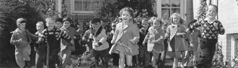 p2008-41_4-kindergarden-class-children-running-out